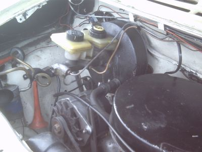 A mk3 transit servo fitted under the bonnet of a Mk1.